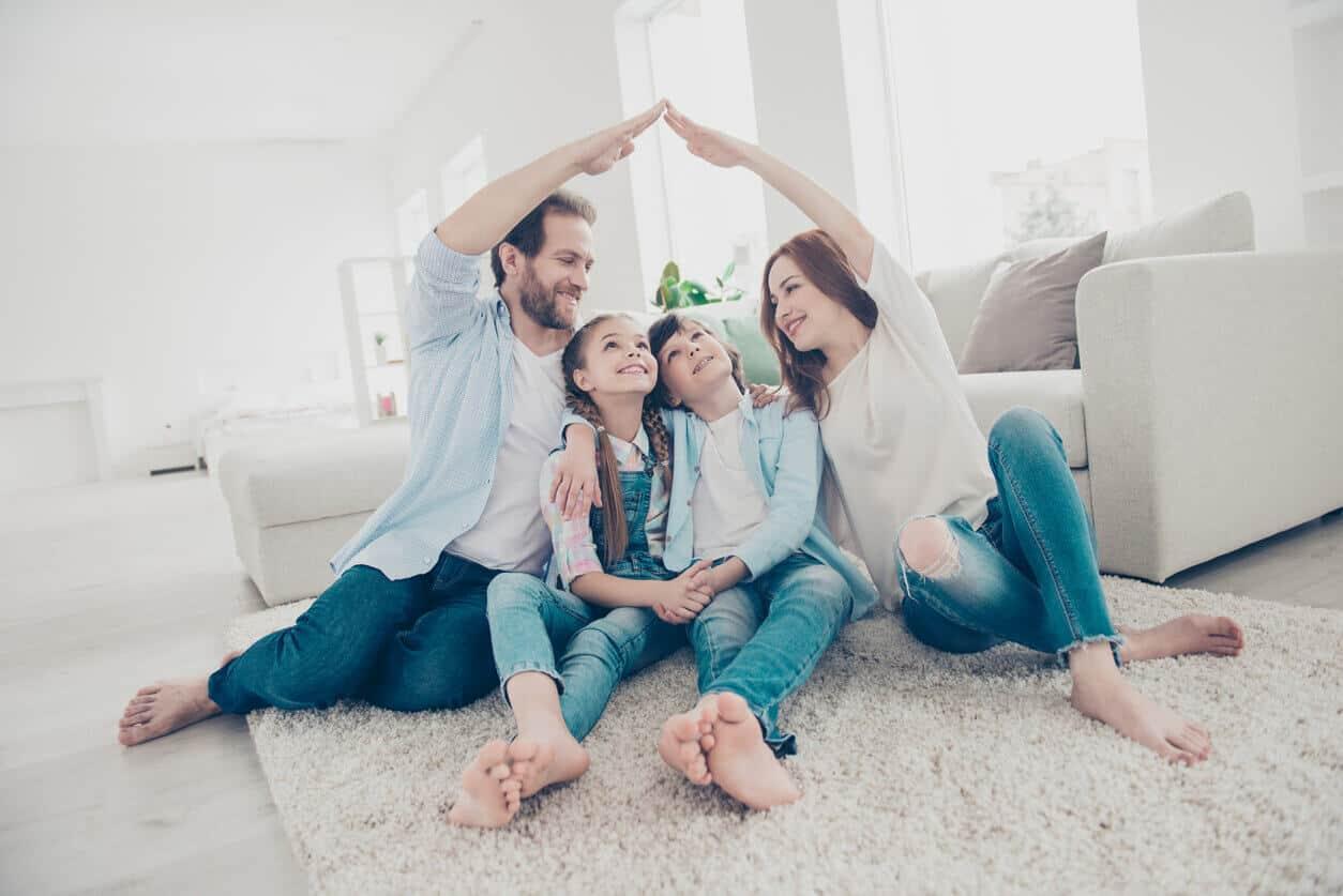 Absicherung-der-Familie-gegen-alle-Risiken-des-Lebens-Familienabsicherung-Versicherungsmakleraachen